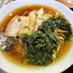 鈴ひろ庵 - 行者にんにくラーメン。 スープはあっさり醤油味。トッピングは行者にんにくの他に豚バラチャーシュー②、メンマ、ねぎ、わかめ。