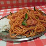 スパゲティーのパンチョ - ナポリタン、ポテトサラダ付き