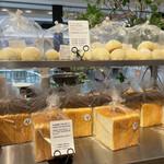 BOUL'ANGE - 店頭│【北海道産小麦の食パン(ハーフ)@税込184円】を購入