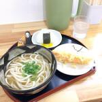うどん好き - 料理写真:天ぷらうどんとおむすび 海老天が別皿である