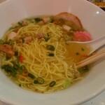 塩ラーメン スター&プラチナ - 和え玉を丼へ 最初の麺量より多いかも?