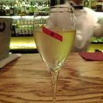 バー保志 モンス レックス - シャンパン