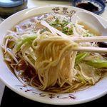 さつまラーメン - 麺は中太