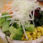 tonkatsuke-waike- - 食べ放題のサラダ