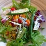 PASTA HOUSE AWkitchen FARM - 夏野菜としらす のペペロンチーノ