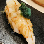 sushikoshikawa - 増毛産のボタンエビ。頭の味噌と卵のせ