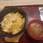 呉さんのビビンバ - 料理写真:チーズダッカルビ石焼ビビンバ(スープ付き)