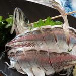 海鮮市場 長崎港 - アジのお造り
