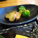 おでん惣菜 如月 - 【ランチ】 鯖の塩焼きと玉子焼 \730