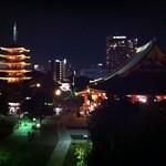 バーシス - テラス席からの浅草寺の眺め