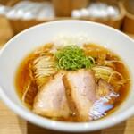 佐々木製麺所 - 料理写真:醤油そば+チャーシュー1枚