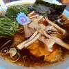 青島食堂 - 料理写真:青島ラーメン ¥800-  ほうれん草  +¥100-     メンマ +¥50-