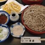 車屋 - 料理写真:くるみ蕎麦とかき揚げ
