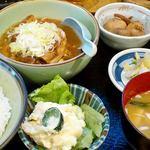和幸 - 料理写真:もつ煮定食