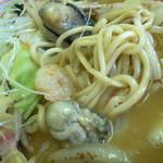 浜ちゃんぽん - プリプリした牡蠣。スープにも旨味がシッカリ。お野菜も麺もさらに美味しくいただけます。