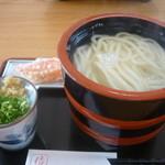 15668764 - 釜揚げうどん(大)、カニかま天ぷら