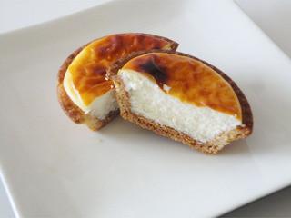 KINOTOYA BAKE JR札幌駅東口店 - 焼きたてチーズタルトは濃厚でクリーミー