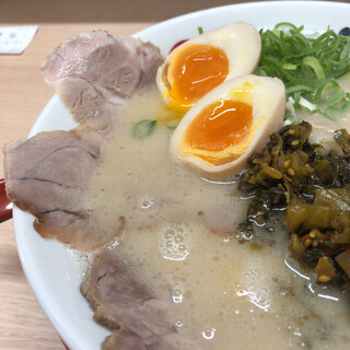 長浜ナンバーワン  - 料理写真:スペシャルラーメン(UP)
