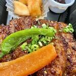 焼肉の龍園 - 辛カルビ