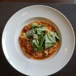 ラ ビストリア - 料理写真:特製ミートソースとルッコラのタリアテッレ