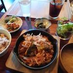 カフェ 寛味堂 - お肉の定食