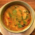 タイ料理 スワンナプームタイ - 甘酸っぱ辛くて美味