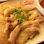 タイ料理 スワンナプームタイ - しっとりチキン