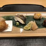いしづか - ランチ青龍12500円。左から、フォワグラコロッケ、真魚鰹塩焼き、鯛南蛮漬け、蛸柔らか煮。真魚鰹がとても美味しかったです(╹◡╹)