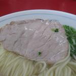 南京ラーメン 黒門 - チャーシューはモモとバラの2種類。