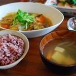 シズク - 料理写真:鮭の竜田揚げ白菜あんかけ(ランチ)