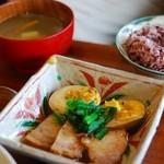 シズク - 豚角と煮玉子のやわらか煮(ランチ)