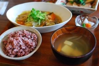シズク - 鮭の竜田揚げ白菜あんかけ(ランチ)