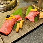 名古屋 焼肉きらく - めっちゃ豪華な肉寿司❤️ このお肉美味しかった! 生が苦手な私は めくって焼いた