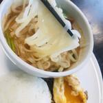 マンゴツリーカフェ - トムヤム麺リフト