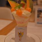 156760303 - 富良野メロンのスペシャルパフェ