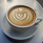 ルーツ&ビートコーヒー - カフェラテ