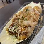 シーフェアリー - 料理写真:アサリのたこ焼きと大ダコ❗️熱々やわ❗️ おいスイー❗️