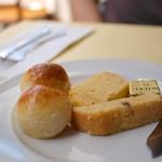 ウエストパーク・カフェ - お通し?のパン