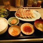 六本木餃子本舗 - 餃子定食12ヶ