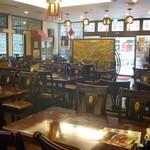 15680912 - 大きなテーブル・椅子がっぱい!