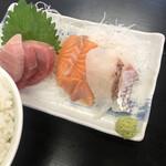 長谷川食堂 - まぐろ、サーモン、真鯛