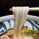 讃岐うどん 雅流 - 麺持ち上げ(山かけうどん)