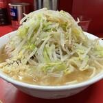 156832542 - 【再訪】ラーメン硬め(野菜,ニンニク,カラメ)