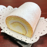 Sucre - 料理写真:ロールケーキ半分700円
