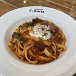 Liberta - 料理写真:国産牛頬肉の赤ワイン煮込みボロネーゼ仕立て(フィットチーネ)