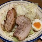 らーめん勇 - 料理写真:醤油とんこつ820円