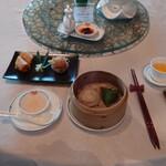 中国飯店 麗穂 - 蒸し点心と揚げ点心 全景