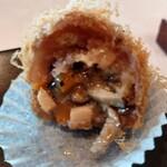 中国飯店 麗穂 - タロ芋をペースト状にして中に餡を詰めた料理