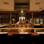 スイスホテル南海大阪 - オープンキッチンが魅力の、6F ワイン&ダイン「シュン」