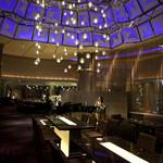 スイスホテル南海大阪 - ホテル最上階から望む絶景と生演奏をお楽しみいただける、36F イタリアン レストラン&スカイ バー「タボラ36」